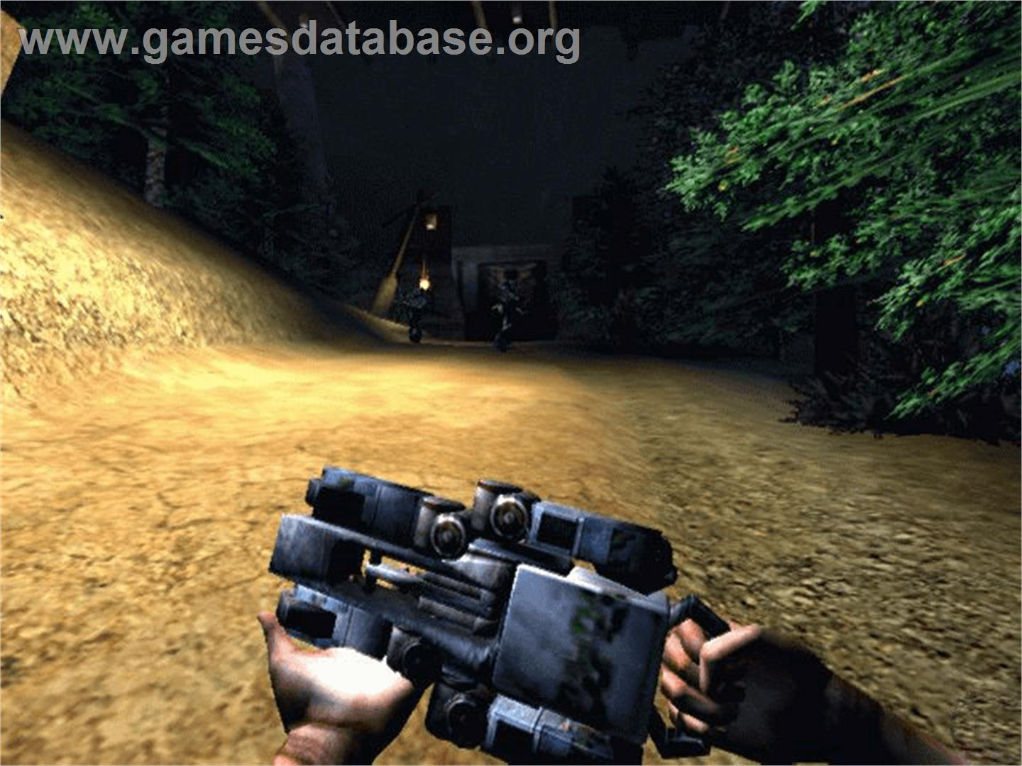 In game image of Turok: Evolution on the Microsoft Xbox.