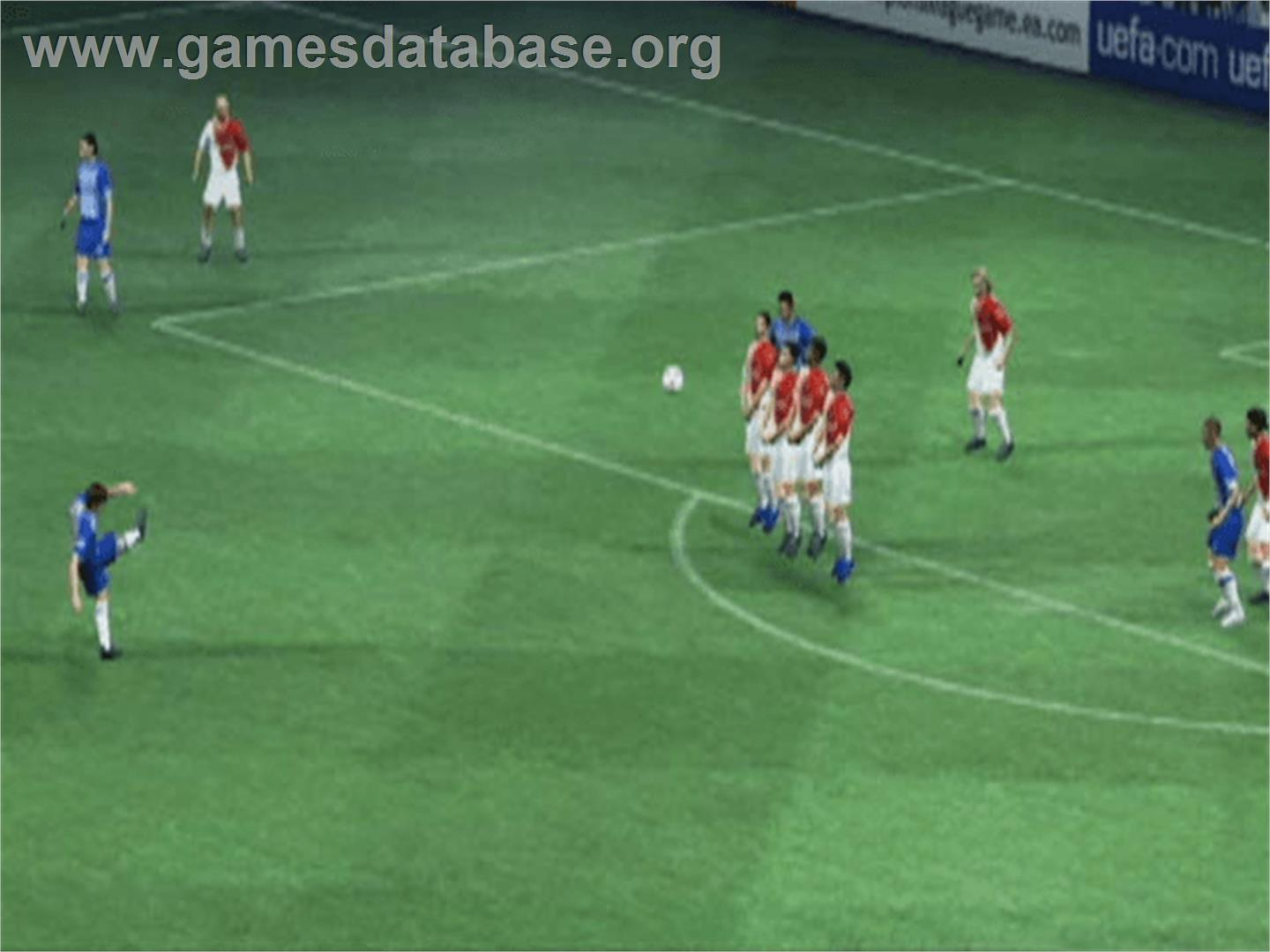 game image of UEFA Champions League 2004-2005 on the Microsoft Xbox