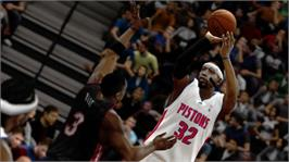 In game image of NBA 2K10 on the Microsoft Xbox 360.