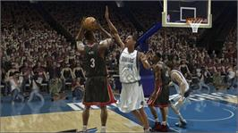 In game image of NBA LIVE 07 on the Microsoft Xbox 360.