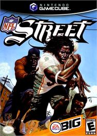 Box cover for NFL Street on the Nintendo GameCube.