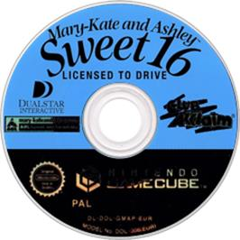 Artwork on the Disc for Mary-Kate and Ashley: Sweet 16: Licensed to Drive on the Nintendo GameCube.