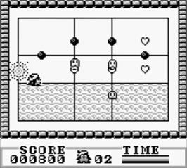 In game image of Amazing Penguin on the Nintendo Game Boy.