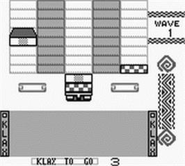 In game image of Klax on the Nintendo Game Boy.