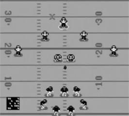 In game image of NFL Quarterback Club '96 on the Nintendo Game Boy.