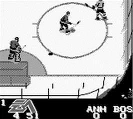In game image of NHL Hockey '95 on the Nintendo Game Boy.