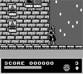 In game image of Spider-Man and the X-Men: Arcade's Revenge on the Nintendo Game Boy.