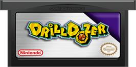 Cartridge artwork for Drill Dozer on the Nintendo Game Boy Advance.