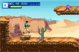 In game image of Alienators: Evolution Continues on the Nintendo Game Boy Advance.