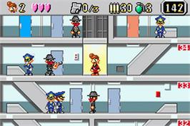 In game image of Elevator Action Old & New on the Nintendo Game Boy Advance.