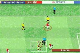In game image of FIFA 2004 on the Nintendo Game Boy Advance.