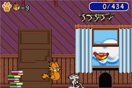 In game image of Garfield: The Search for Pooky on the Nintendo Game Boy Advance.