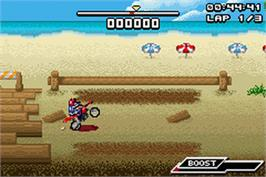 In game image of Motocross Challenge on the Nintendo Game Boy Advance.