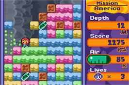 In game image of Mr Driller 2 on the Nintendo Game Boy Advance.