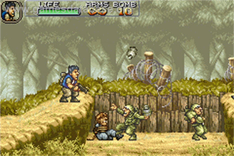 In game image of Metal Slug Advance on the Nintendo Game Boy Advance.