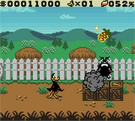 In game image of Daffy Duck: Fowl Play on the Nintendo Game Boy Color.