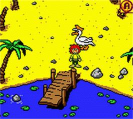 In game image of Pumuckls Abenteuer bei den Piraten on the Nintendo Game Boy Color.
