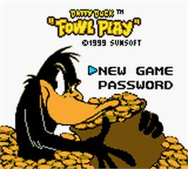 Title screen of Daffy Duck: Fowl Play on the Nintendo Game Boy Color.
