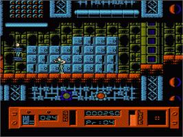 In game image of Alien³ on the Nintendo NES.