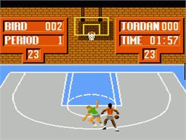 In game image of Jordan vs. Bird: One-on-One on the Nintendo NES.