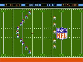 In game image of NFL on the Nintendo NES.