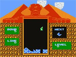 In game image of Pyramid on the Nintendo NES.