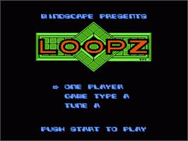 Title screen of Loopz on the Nintendo NES.
