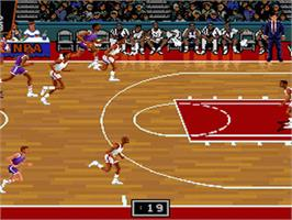 In game image of NBA Showdown on the Nintendo SNES.