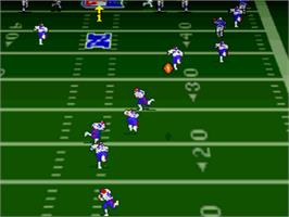In game image of Troy Aikman NFL Football on the Nintendo SNES.
