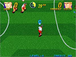 In game image of Pleasure Goal 5-on-5 Street Soccer on the SNK Neo-Geo AES.