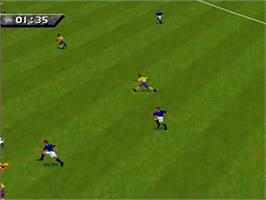 In game image of FIFA 96 on the Sega 32X.