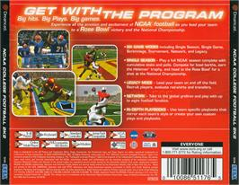 Box back cover for NCAA College Football 2K2: Road to the Rose Bowl on the Sega Dreamcast.