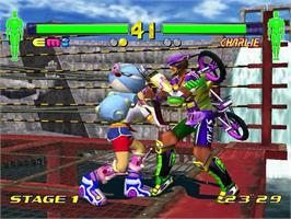 In game image of Fighting Vipers 2 on the Sega Dreamcast.