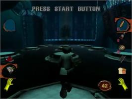 In game image of MDK2 on the Sega Dreamcast.