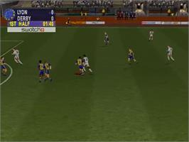 In game image of Worldwide Soccer 2000: Euro Edition on the Sega Dreamcast.
