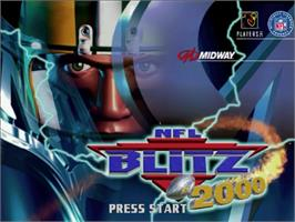 Title screen of NFL Blitz 2000 on the Sega Dreamcast.