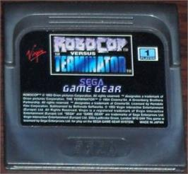 Cartridge artwork for Robocop vs. the Terminator on the Sega Game Gear.
