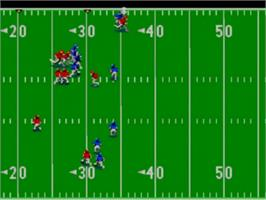 In game image of Joe Montana's Football on the Sega Game Gear.
