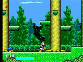 In game image of Lucky Dime Caper starring Donald Duck on the Sega Game Gear.