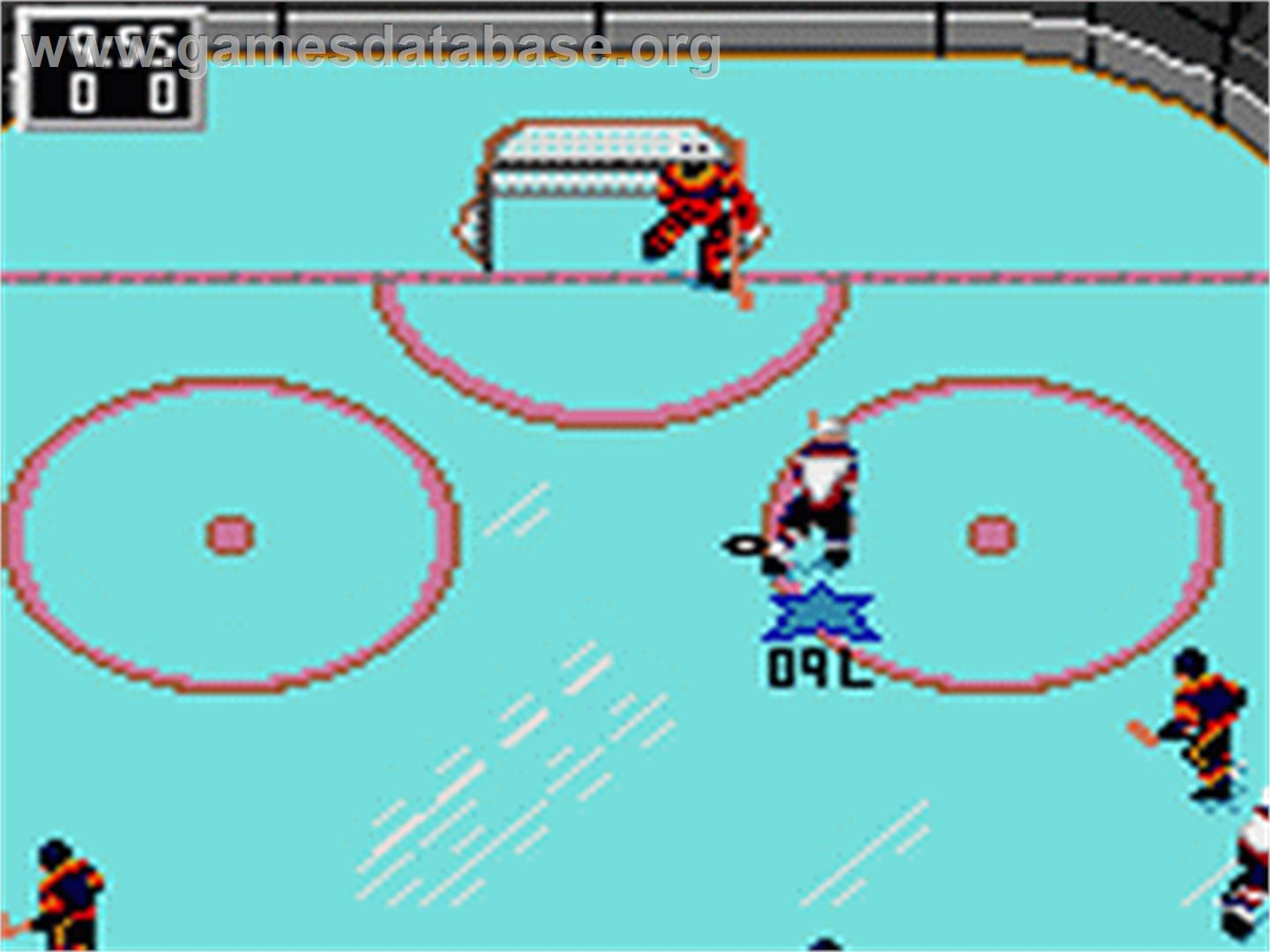 In game image of NHL Hockey on the Sega Game Gear.