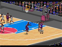 In game image of NBA Live '95 on the Sega Genesis.