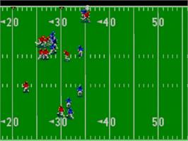 In game image of Joe Montana Football on the Sega Master System.