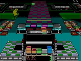 In game image of Klax on the Sega Master System.
