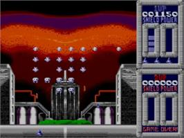 In game image of Super Space Invaders on the Sega Master System.
