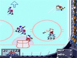 In game image of Elitserien 95 on the Sega Nomad.