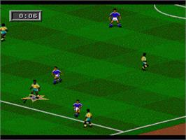 In game image of FIFA 95 on the Sega Nomad.