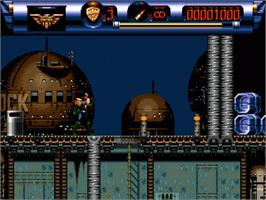 In game image of Judge Dredd on the Sega Nomad.