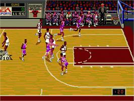 In game image of NBA Showdown on the Sega Nomad.