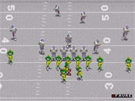 In game image of NFL 98 on the Sega Nomad.