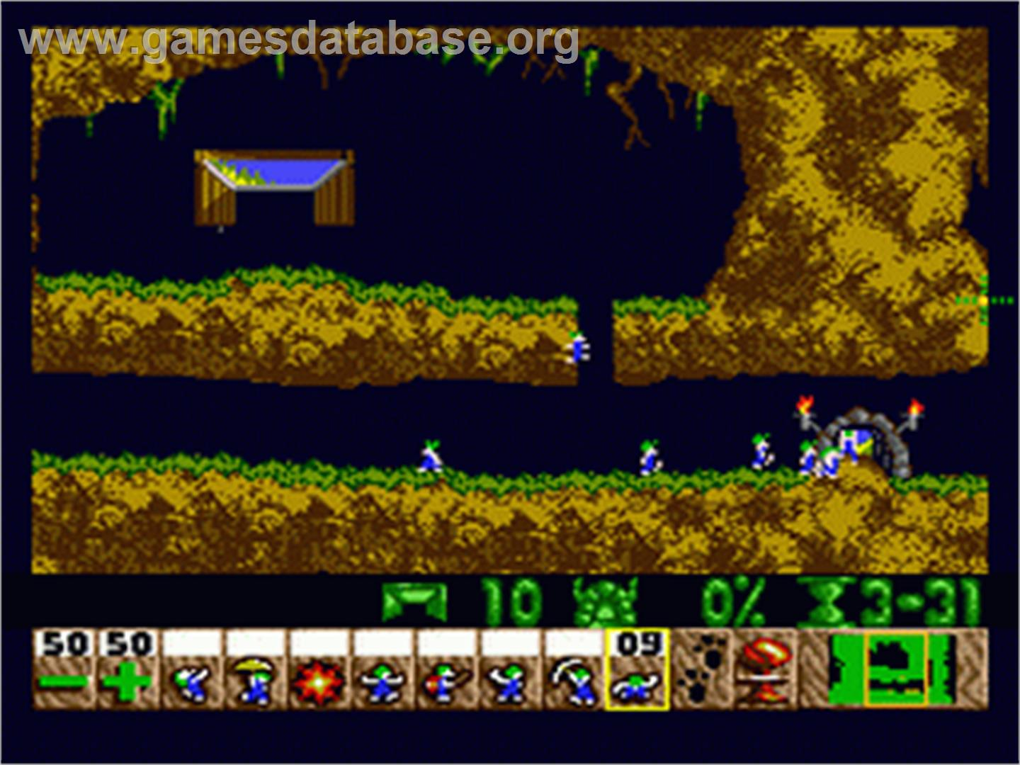 In game image of Lemmings on the Sega Nomad.